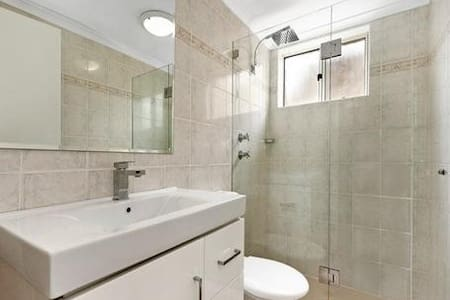 Awesome room available in Dee Why - Dee Why - Apartment