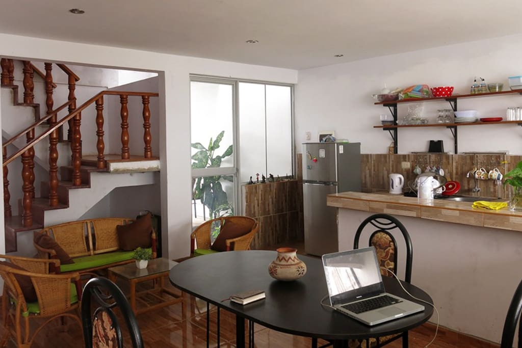 Fully equipped kitchen-dinning room.