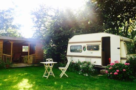 Caravan in a Quiet Area & Cottage - Lakókocsi/lakóautó