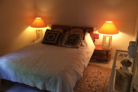 Belle chambre dans région toulousaine - Bed & Breakfast