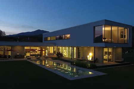 Deluxe vacation house with Pool - Olsach