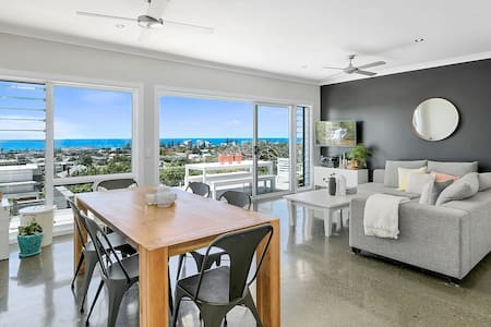 Amazing Panoramic Ocean Views + Fire Pit!! - Tugun
