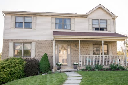 3BR Home Near Oakmont - Pittsburgh - Huis
