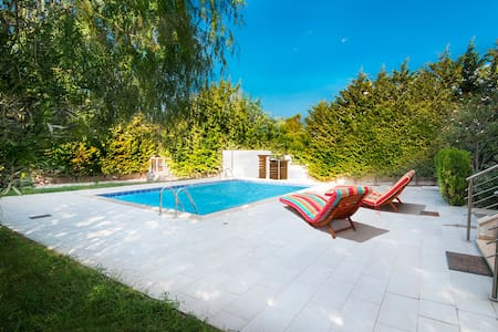 HomeSeeker Collection | Villa Pathos - Corinth - Villa