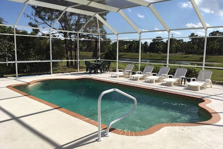 Comfortable 4/2,pool and canal view - Rotonda West - Haus