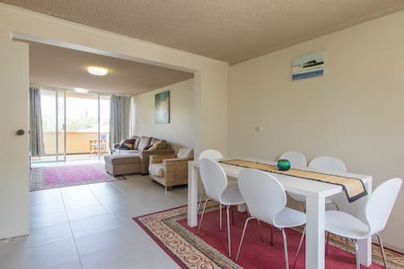 Renovated apartment at Kings Beach - Apartment