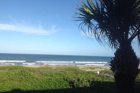 Direct Ocean Front with Big Balcony - Daire