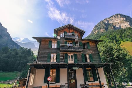 The Alpenhof Guesthouse - Guesthouse