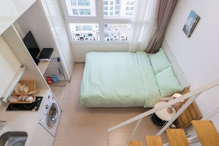 It is located in Yongsan-gu in middle of Seoul and  near the subway station. You can reach easily interesting  places like Itaewon, Hongdae, Gangnam, Myeong-dong  and Jongno in Seoul in a short time.  And free Wifi.