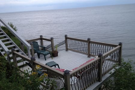 Waterfront Escape on Beautiful Lake Ontario - Waterport - Casa