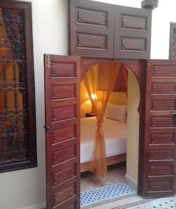 Cozy room in the heart of ancient medina (Riad) - Casa de hóspedes