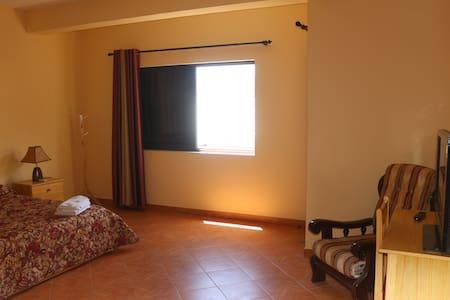 Suite de férias perto do centro, Mindelo - Apartment