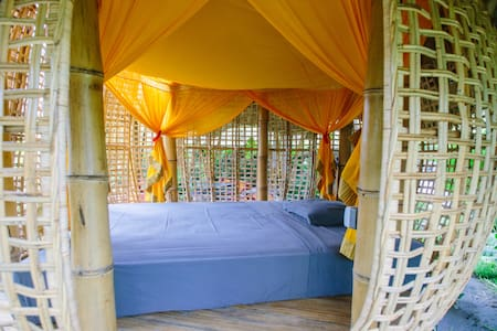 Bamboo birdsnest ground level #1 - ubud - Bed & Breakfast