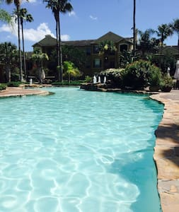 1B-private bathroom. Great amenities - Corpus Christi - Appartement