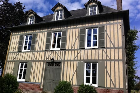 Large Family House - Bonneville-la-Louvet - Maison
