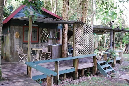 The Old Brush Rainforest Rustic Cabins - Cabin