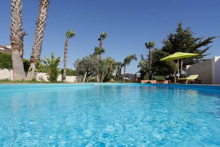 Country villa with pool - Marsala