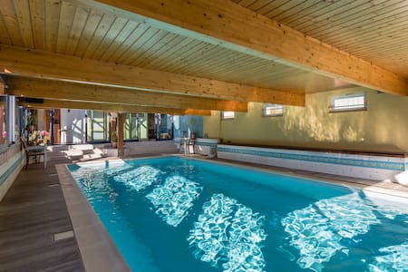Contemporary House with swimming pool - Saint-Coulomb - Hus