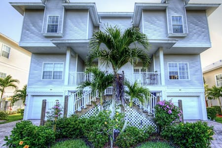 10,000 Islands! Boat, Beach, Fun!!! - Townhouse