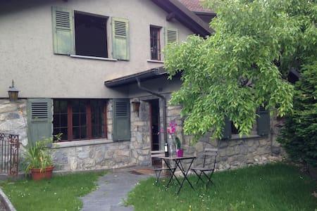Superbe chambre dans maison de charme - Haus