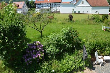 Gruppenhaus mitten in Deutschland! - Wehretal - Hus