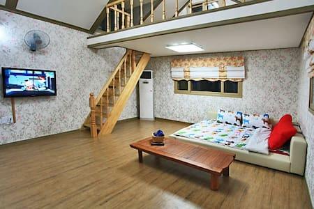 브로힐펜션 2층 라즈객실 - Casa