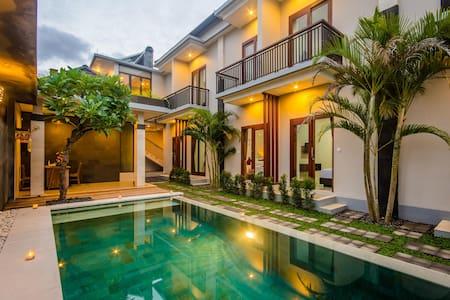 Cool stay @Valka Bali Seminyak - Kuta - Bed & Breakfast