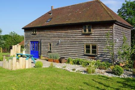 The Hay Barn at Eatonden Manor Farm - Stonegate