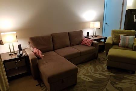 Best Value! Big 1 bed/1bath condo Remodeled&Light - Lakás