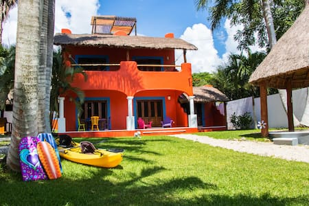 Casa del Árbol - villa con muelle - Bacalar