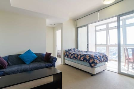 Sydney Burwood Top Floor Apartment - Apartamento