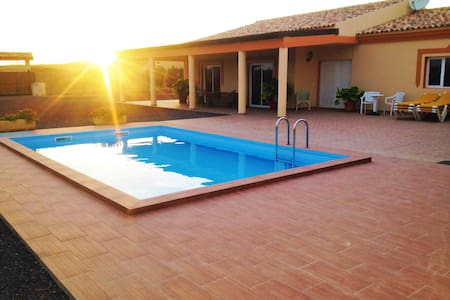 Chalet con piscina  Villa oliva - Tuineje - Alpehytte