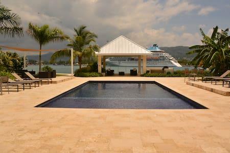 Luxury apartment in Jamaica--Freeport, Montego Bay - Montego Bay - Byt