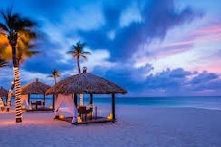 Luxury Resort on Eagle Beach - Eagle Beach, Aruba