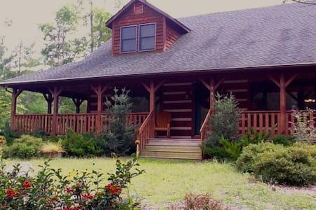 CozyBear Cabin Near ASU, Boone, Sleeps 12, Hot tub - House