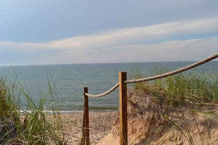 Spacious Getaway- Breezy Lane,  Union Pier, Mi - Huis
