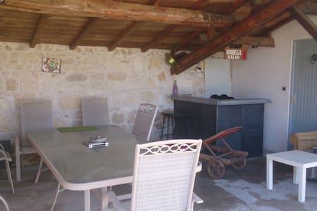 maison pierre entre vignobles et mer - Ordonnac - Hus