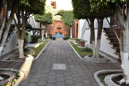 Casa tranquila y hermosa Queretaro - Maison