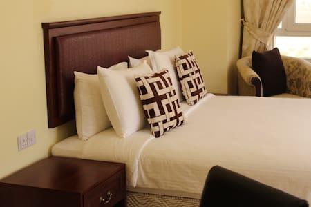 One Bedroom Apartment - Apartment