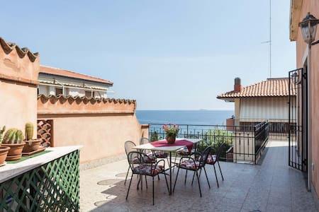 The house over the sea! - Aci Trezza  - Apartment