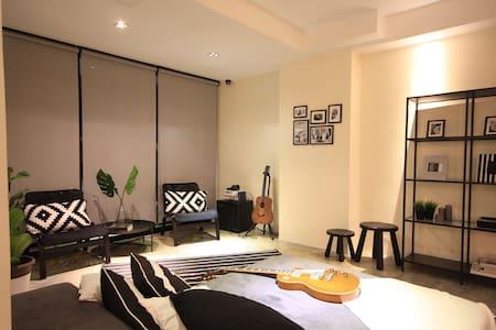 Ensuite 2pax  Queen Room Pool villa in upscale KL - Kuala Lumpur - Villa