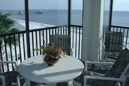 2 bed/bath Beach Front Condo - Fort Myers Beach