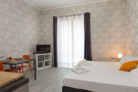CHIC STUDIO NEXT TO THE FAIR AND MILAN - Rho - Huoneisto