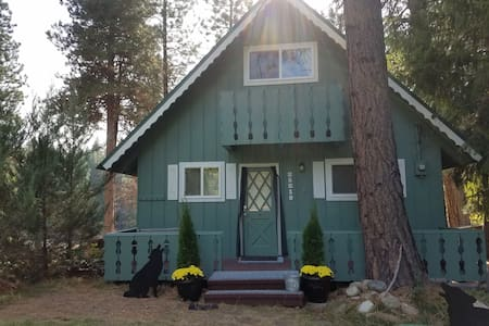 Wolf Cabin - Leavenworth