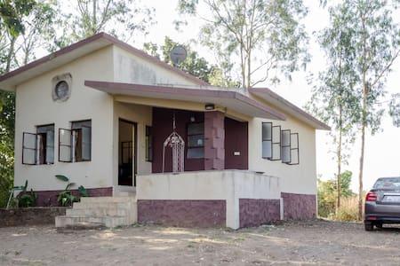 Hill top Villa - Pune