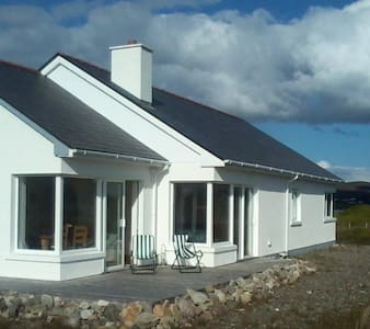 Discover Achill Island at Naomh Iosaef, The Points - Bungalow