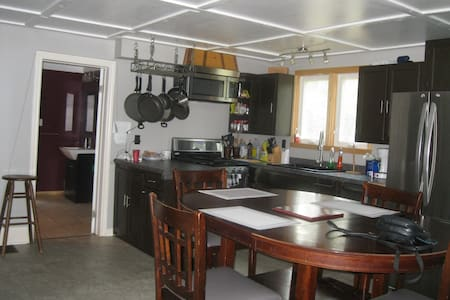 Simcoe Retreat Close to 3 Sandy Beaches,,, - House