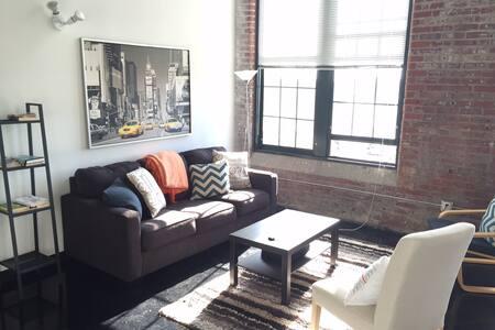NYC Style Loft - Spacious/Amenities
