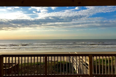 Front Row Beautiful New Beach Home - Surfside Beach - Casa
