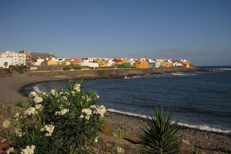 Urlaub im Fischerdorf 50 m zum Meer - House
